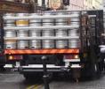 Livraison de futs de bière au pub